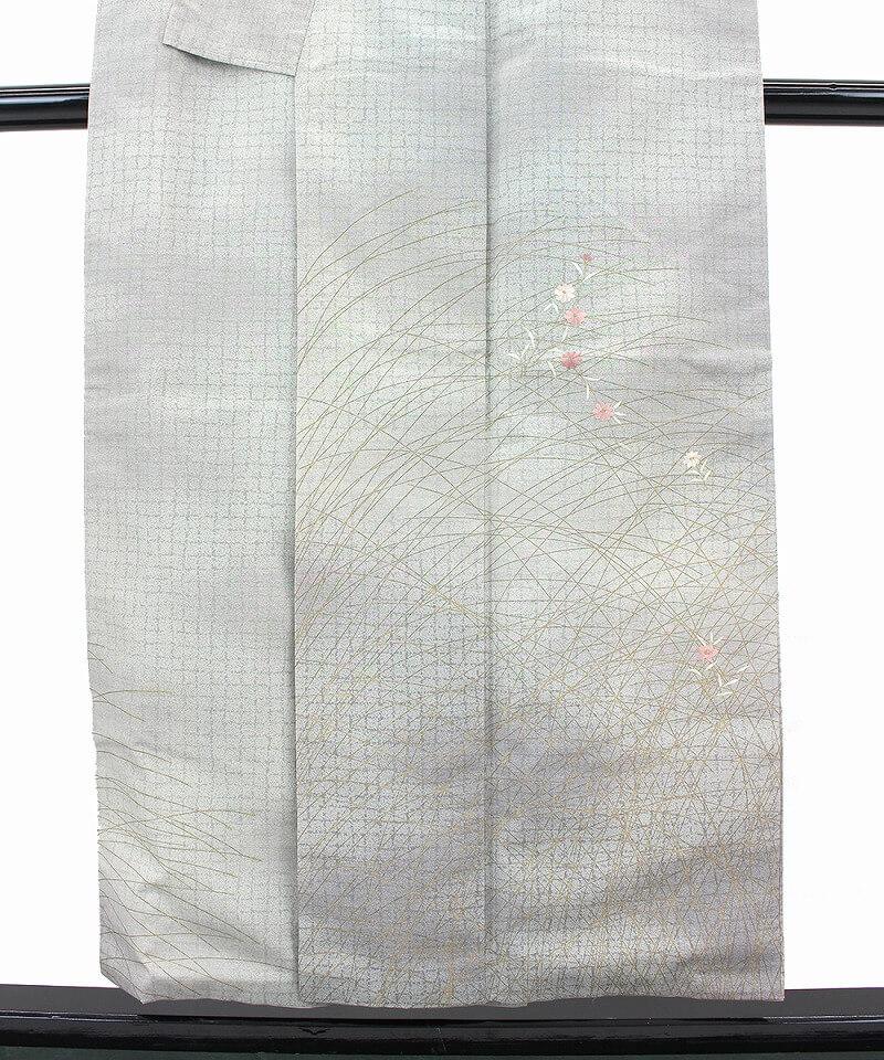 【中古】 刺繍使いのお花が可愛い結城紬付け下げ リサイクル 正絹 レディース グレー 裄63.5cm 上品 仕立て上がり着物 送料無料  あす楽対応