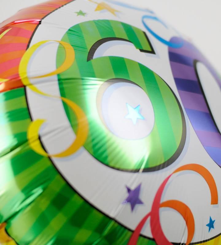 スマイルフラワーと60才バルーン【還暦祝いのバルーン電報】