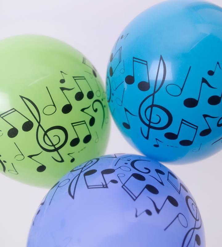 大きなピンクの8分音符とブルー&グリーンのミニ音符バルーン、ライトブルースター【ピアノやバレエの発表会のバルーン電報】