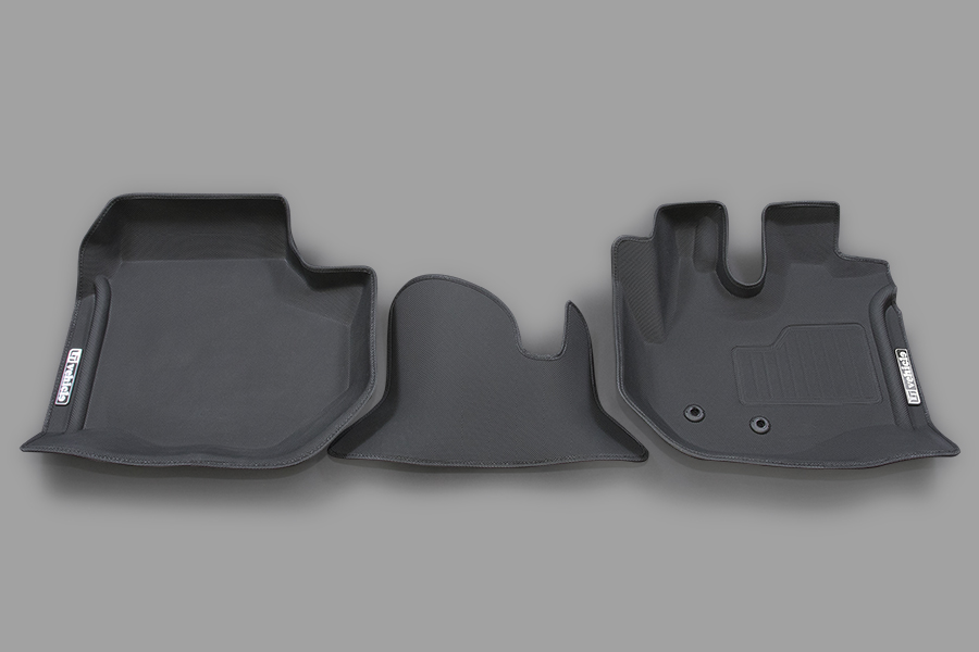 ハイエース 200系<br>3Dラバーマット フロント 3ピース<br>注文可能。納期:5月下旬 ~ 6月上旬頃