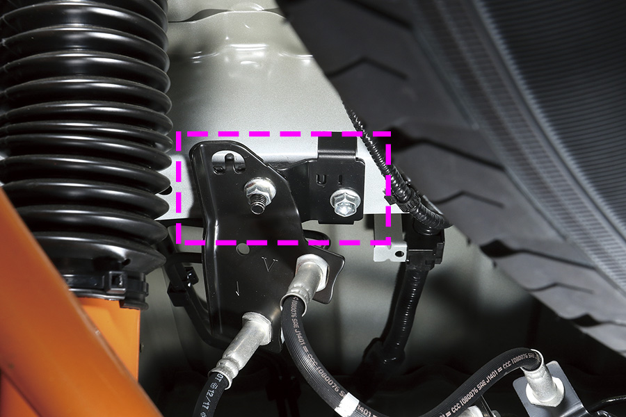 VSC装着車専用 ブレーキホース移動ブラケット