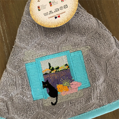 南仏プロヴァンス・ネコとラベンダー畑の円形タオル・グレー /50cmサイズ 【フランスキッチン雑貨】