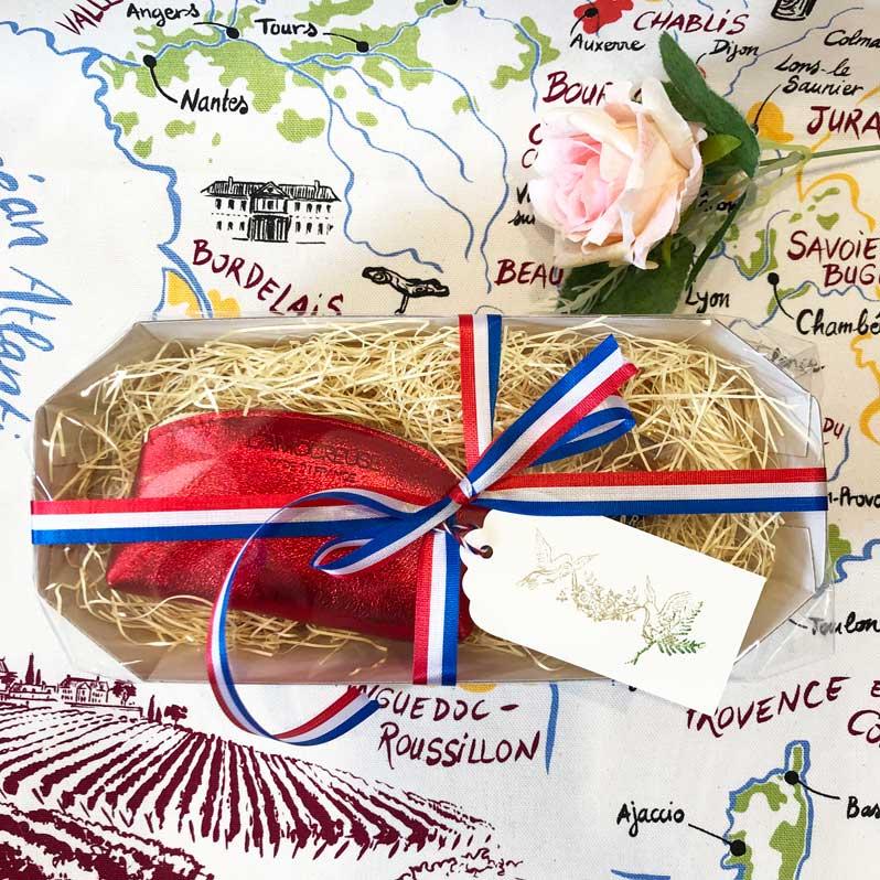 フランスブランドのコインケース・レッドとミニトワレ・ローズのギフトセット・箱ラッピング済<アロマリン><ラモフォーズ><フランス輸入雑貨ギフトセット>