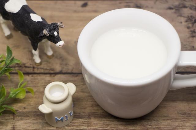 【フランスより上陸】カリテハンドクリーム・ミルククリームの香り。 乾燥・保湿に。プチプラのギフトにおすすめINSTITUT KARITE  Hand Cream 30ml MILK CREAM