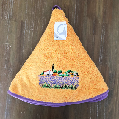 南仏プロヴァンス・ラベンダー畑の刺繍入り円形タオル やまぶき色 70cmサイズ 【フランスキッチン雑貨】