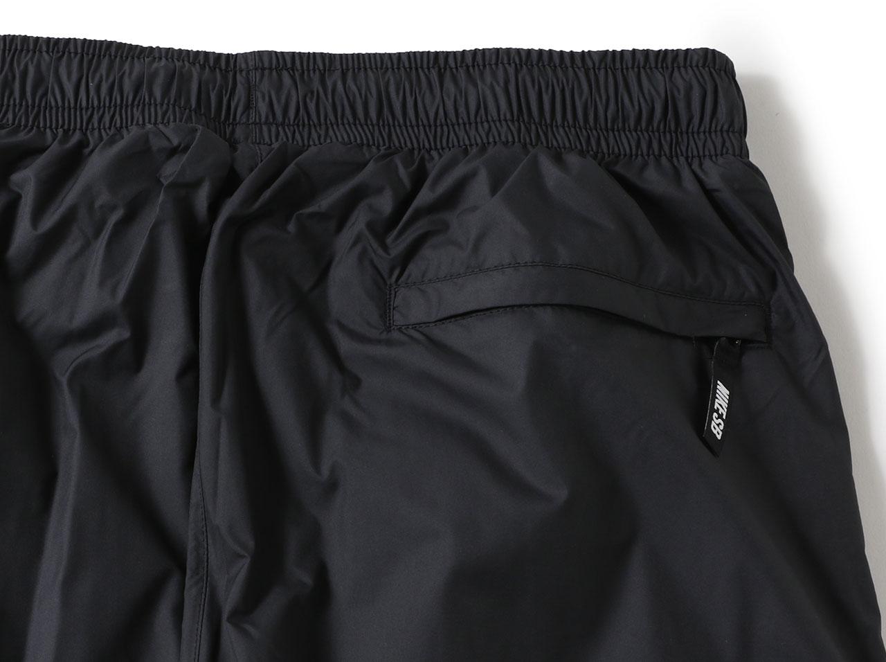 【SALE】NIKE SB SHIELD SWOOSH TRACK PANTS - BLACK/WHITE