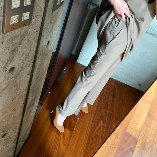 【予約特典10%OFF】CHIGNON(シニヨン)/タックフレアクロップドパンツ(6月上入荷予定)