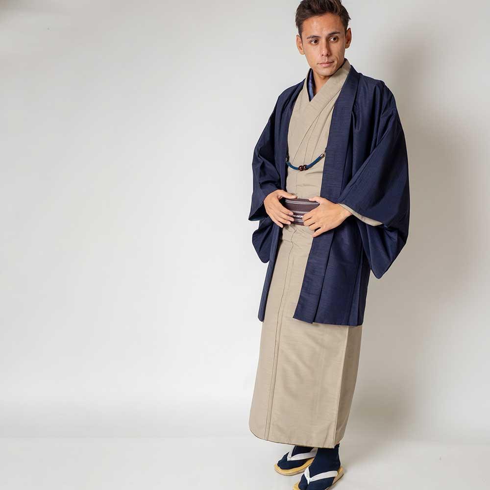 |送料無料|メンズ着物アンサンブル【対応身長165cm〜175cm】【 Mサイズ】フルセットー着物ベージュ×羽織ネイビー|往復送料無料|和服|