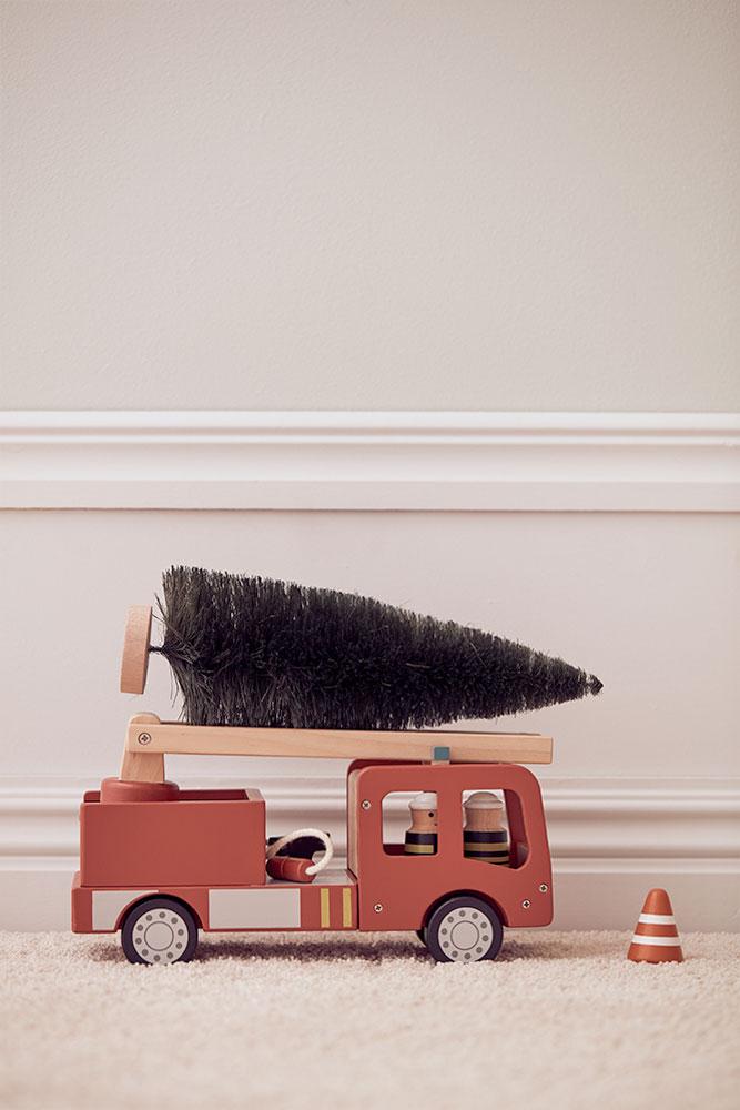 kids concept //木製おもちゃの木製消防車セット
