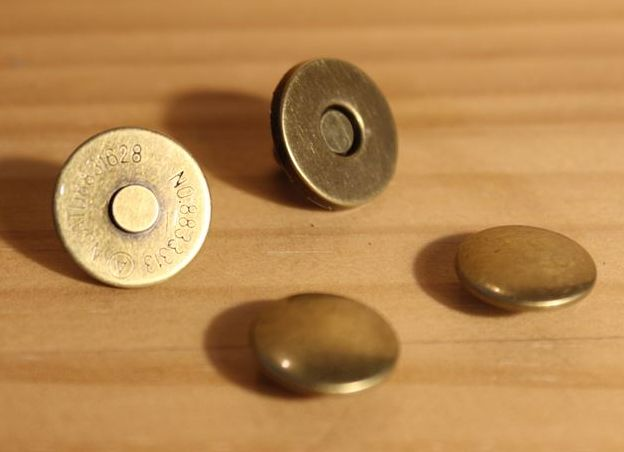 ◆M-7◆【マグネットボタン】1.4cm 両面カシメ式 5個セット【梱包スペース2】