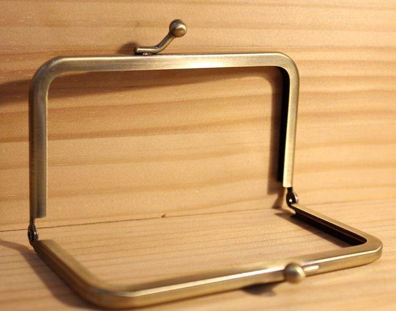 ◆Ku-110◆【口金】シンプルな差し込み式 10.2cm角型【梱包スペース4】【型紙販売店あり】