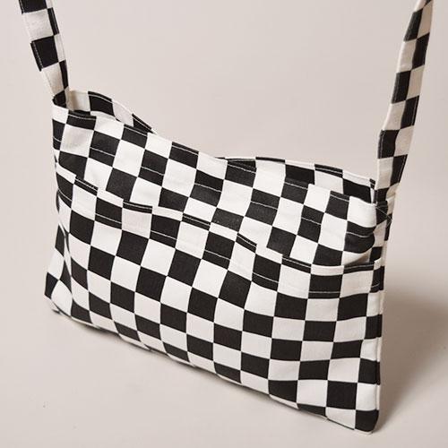Checkerboard Sacoche Bag(チェッカーボード サコッシュバッグ)ホワイト×ブラック [a-2965]