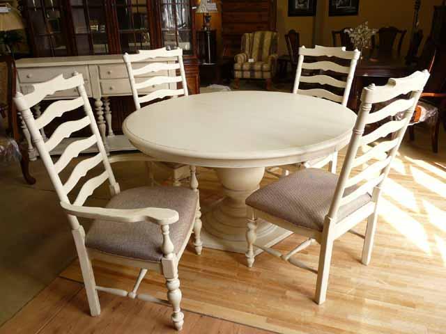 ダイニングテーブル 丸テーブル 4人掛け 6人掛け 白 ホワイト アイボリー アンティーク アンティーク調 丸 伸縮 伸長式 円型 楕円 フレンチ カントリー 高級 シャビーシック クラシック テイスト おしゃれ ダイニング テーブル カフェ 食卓用  4人 6人 Paula Deen UNIVERSAL