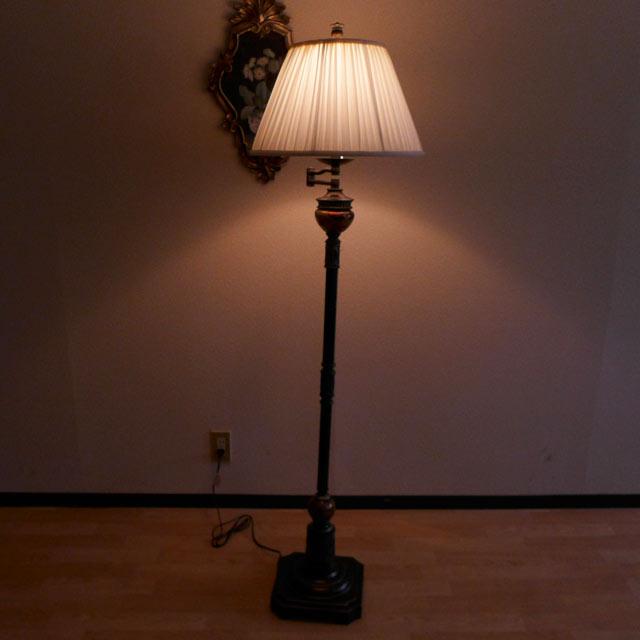 【 訳あり品-ほつれ・ヒビあり 】スタンドライト フロアライト モダン スタンドランプ アンティーク  フロアランプ フロアスタンドライト アンティーク調 テイスト LED シェード シェードランプ アメリカン フロアランプ BO2299SWFL CAL lighting