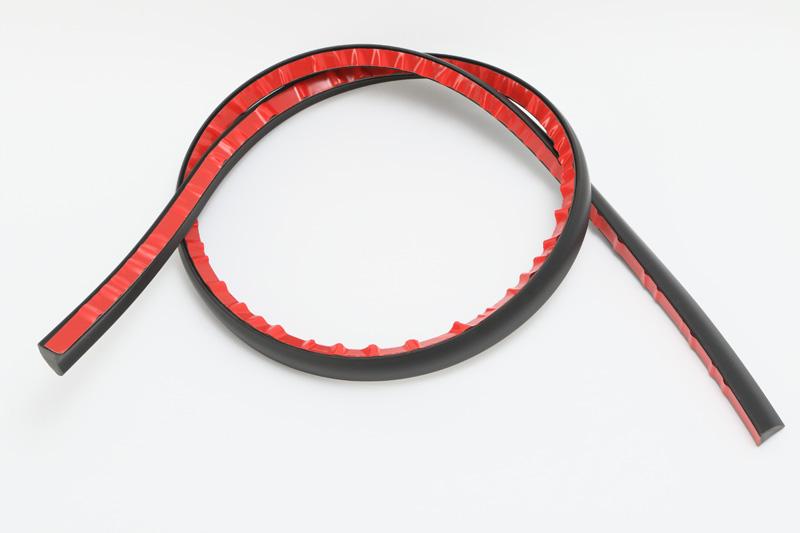 【#29365】ルーフ浮き上がり防止スポイラー1.6M黒樹脂