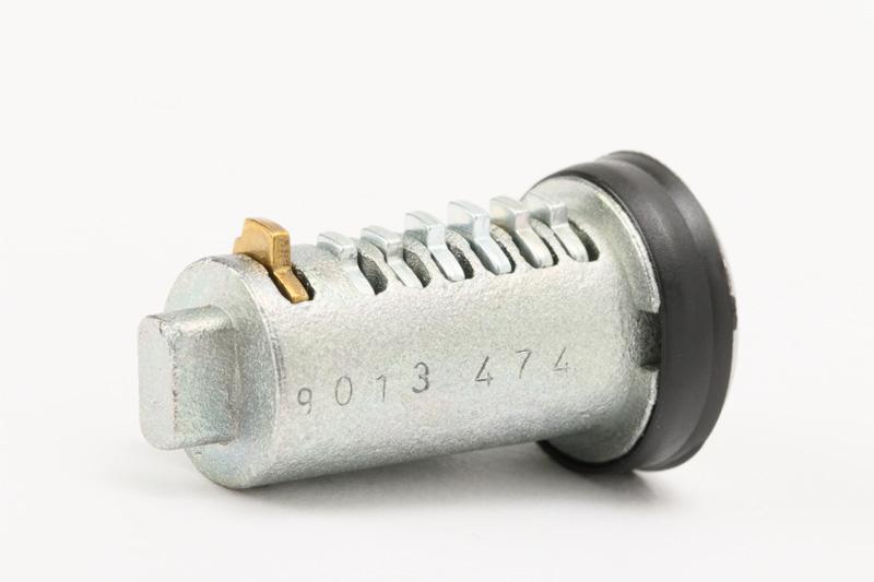 【#144071】カセットトイレ用アクセスドア現行キーシリンダー