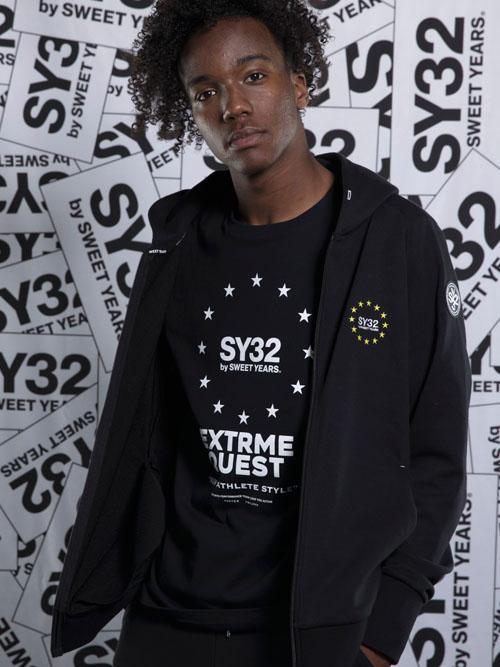 SY32 by SWEET YEARS「WORLD STAR ZIP HOODIE」BLACK