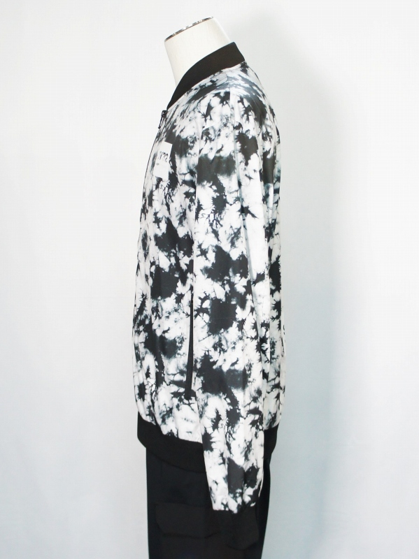 SY32 by SWEET YEARS「GRAPHIC BOMBER JK」 BLACK
