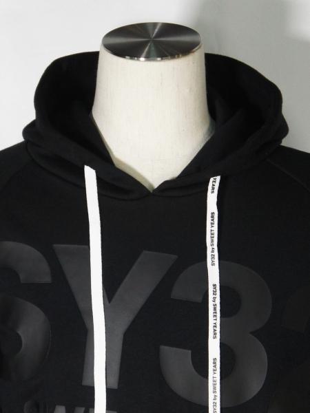 SY32 by SWEET YEARS「BIG LOGO HOODIE」BLACK×BLACK