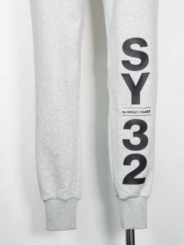 SY32 by SWEET YEARS「SHIELD LOGO SWEAT PANTS」GRAY