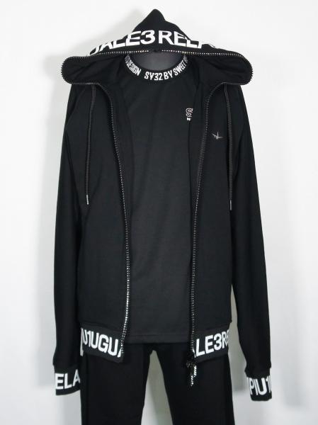 1PIU1UGUALE3 RELAX「リブロゴパーカー」 BLACK【ウノピゥウノウグァーレトレ リラックス】