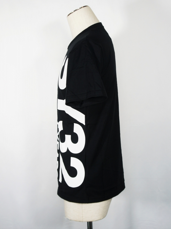 SY32 by SWEET YEARS「VERTICAL LOGO TEE」BLACK×WHITE
