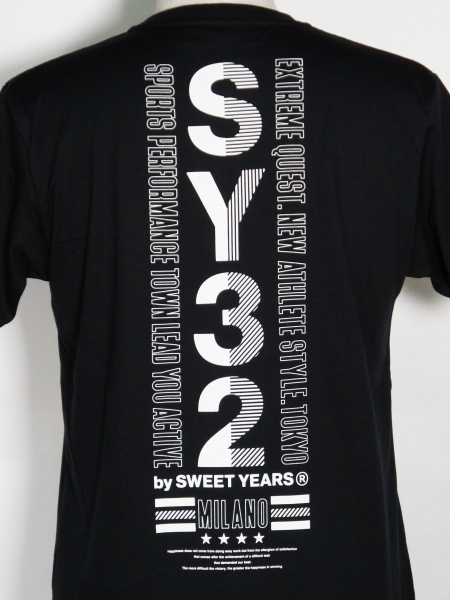 SY32 by SWEET YEARS「STAR SHIELD TEE」BLACK