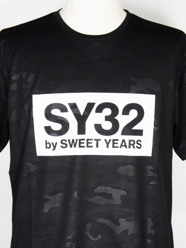 SY32 by SWEET YEARS「EMBOSS CAMO BOX LOGO TEE」BLACK×WHITE