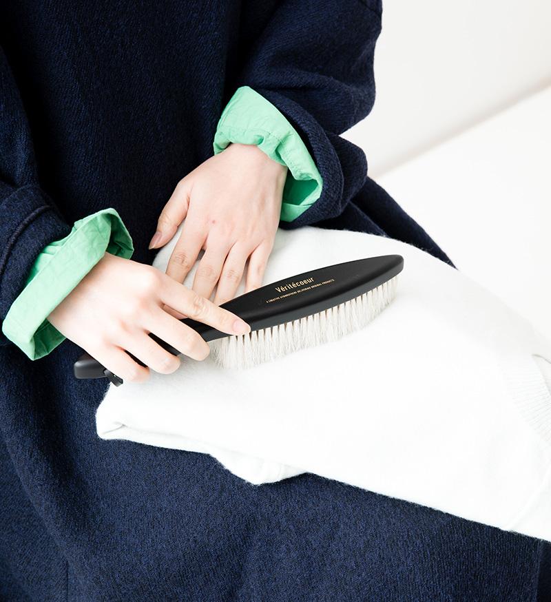 ※Véritécoeur online 限定※ <br>NT-033c Clothes Brush / Black (カシミヤ用)