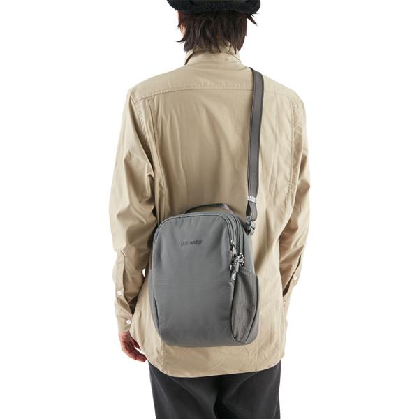 PacSafe パックセーフ Vibe 200 Backpack ECONYL Storm