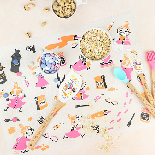 ムーミン グッズ リトルミィ ベイキング マット 48×35cm キッチンお菓子 製菓 レッド ホワイト 北欧 フィンランド Moomin martinex マルティネックス MNX080086