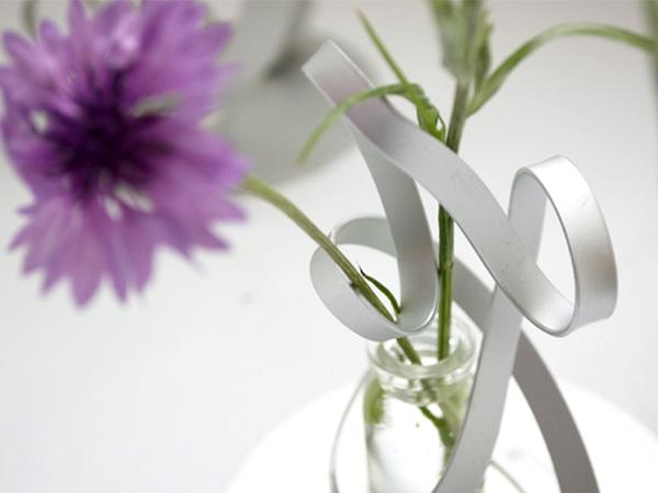 花瓶 おしゃれ 一輪挿し フラワーベース 花器 ツイスト L TWIST アルアート AT-2 シンプル 軽量 アルミニウム シルバー 日本製 国産 かわいい アルミ