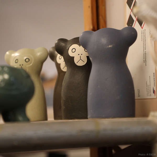 En Liten Van キツネ 一輪挿し ブラウン イエロー 鹿児島睦 keramikstudion 花瓶 陶器 北欧 おしゃれ かわいい 置物 オブジェ Fox 狐 動物