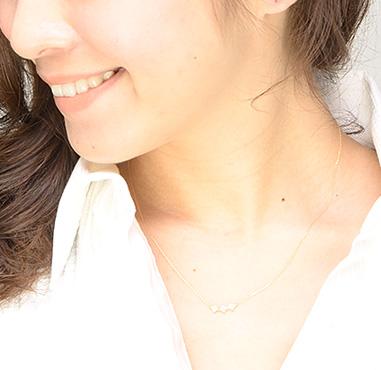 【送料無料】K10ダイヤモンドフラワーラインネックレス 【リュクス】LC-13【ネコポス不可】
