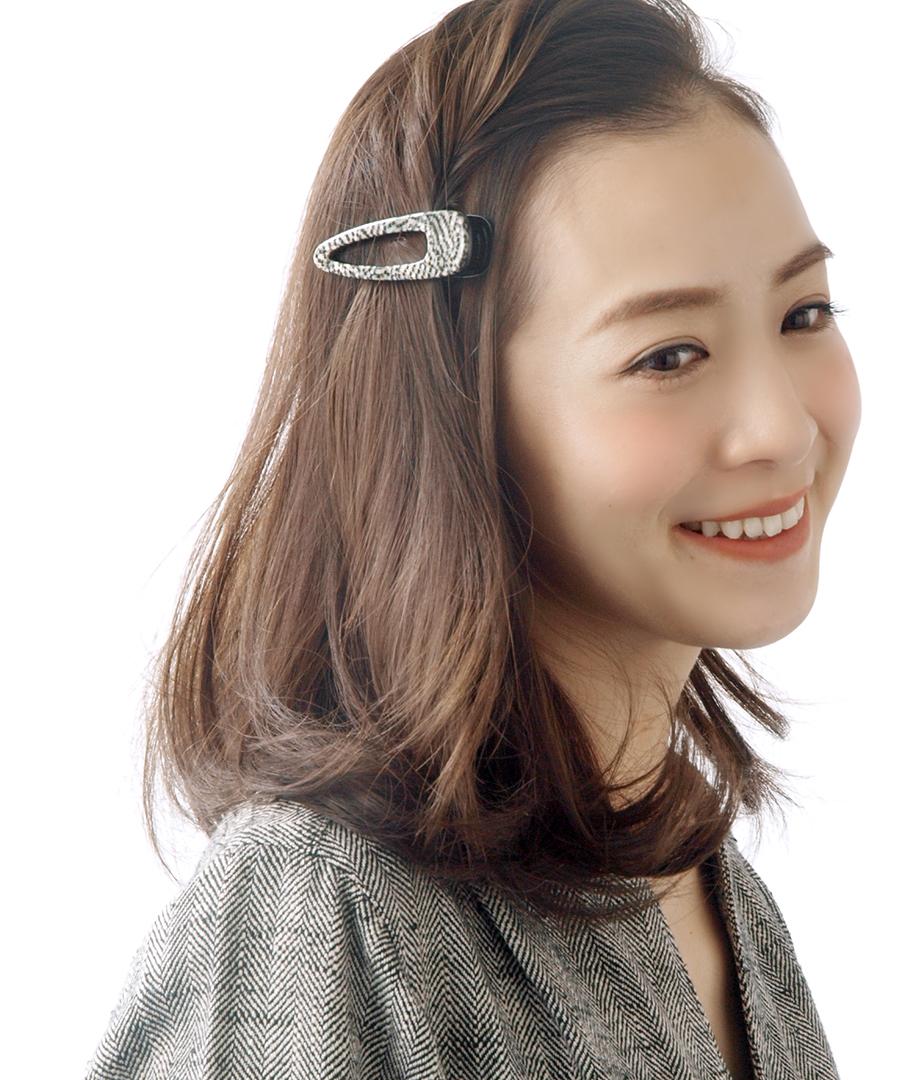 シックなモノトーンカラーくりぬきデザインヘアクリップ (M) H7155