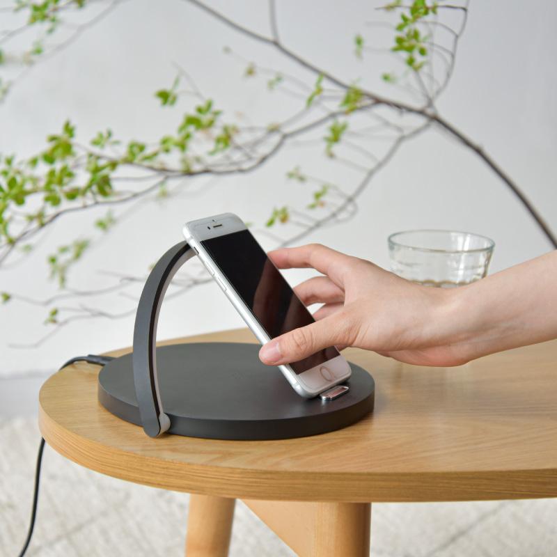wasser78 インテリアライト ナイトライト ワイヤレス充電器 置くだけ充電 ベッドサイドランプ ライト LED ライト iPhone 無線充電 木目調 ウッド インテリア 授乳灯 常夜灯 北欧 おしゃれ ブラック ホワイト 木目