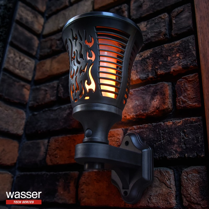 防犯ライト ソーラーライト ガーデンライト 壁掛け照明 インテリア照明 揺らぐ 炎 埋め込み式 太陽光充電 wasser led  屋外 おしゃれ 電球色