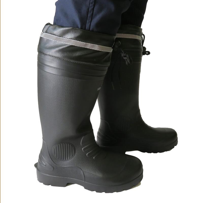 ●もっと軽くなった超軽量長靴