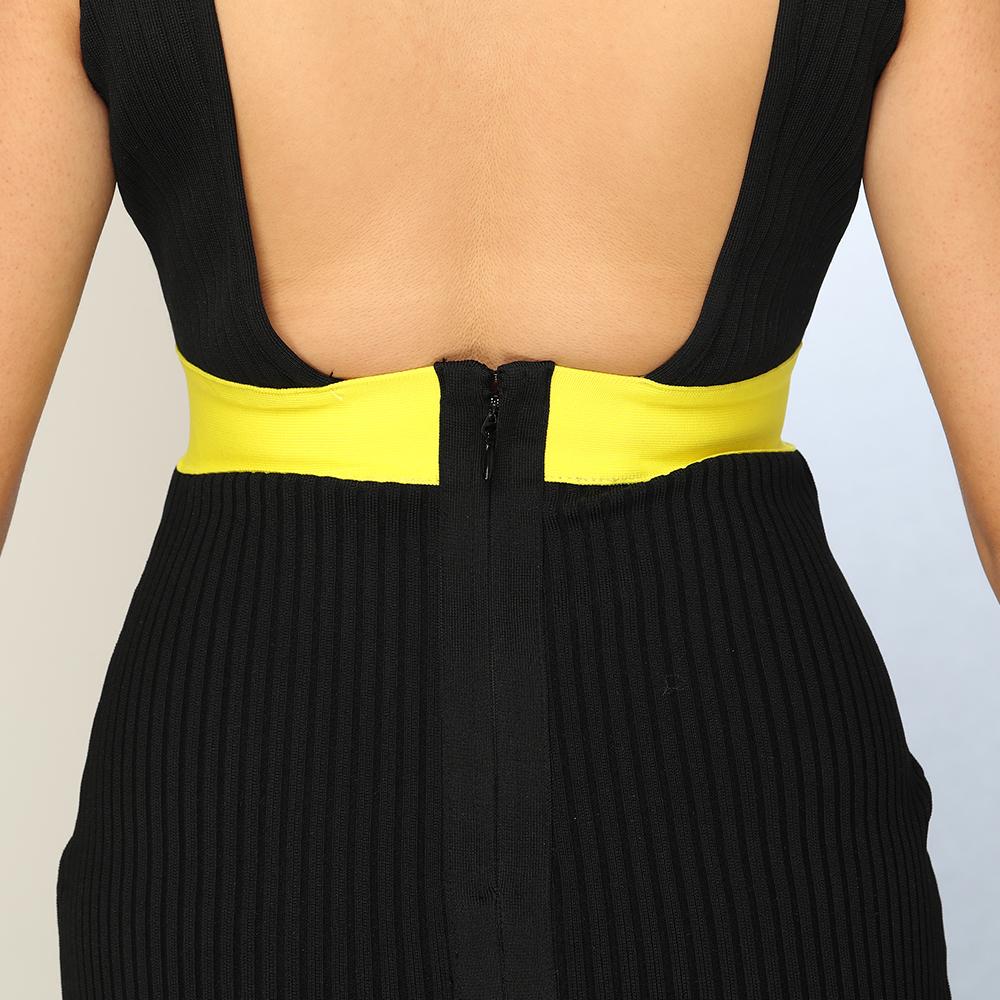 胸元クロスバンテージミニドレス