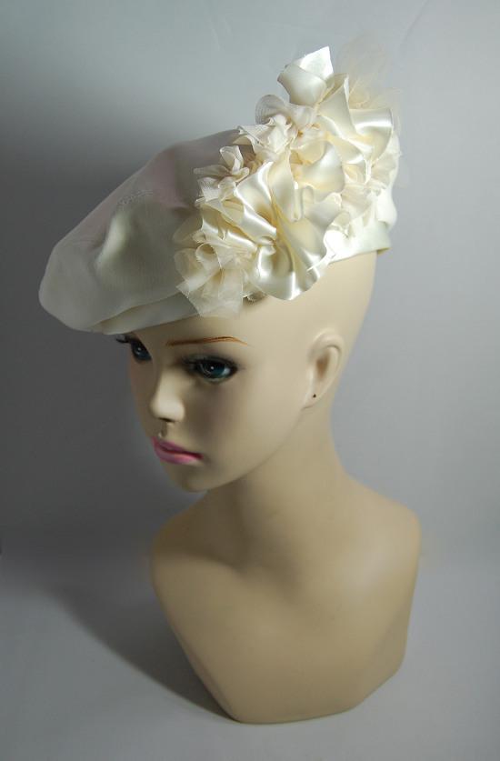ベレー帽 - Snow White
