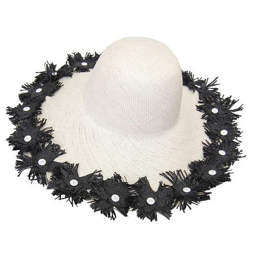 つば広帽子 - 黒い花