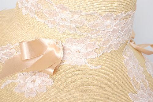 つば広帽子 - 眩しいほどに美しく