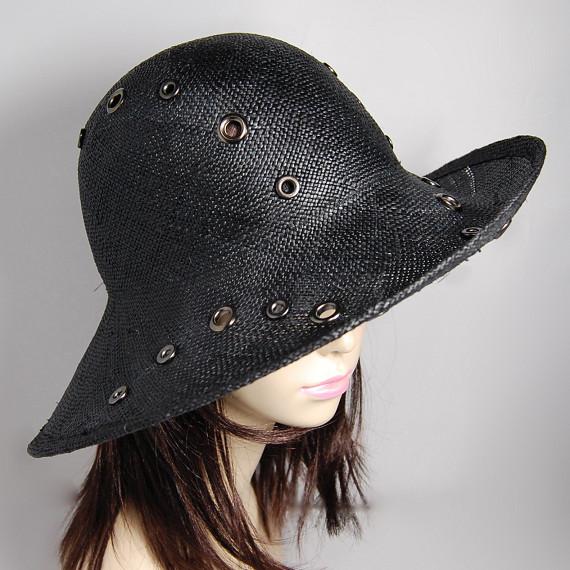 つば広帽子 - 都会的な女性は好きですか?