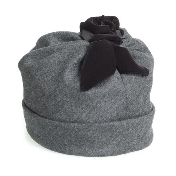 ベレー帽 - おしゃべりな薔薇