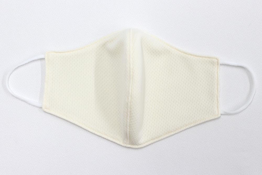【大人用】メッシュ素材 立体型 マスク 洗える布製 大人用 (クリーム)
