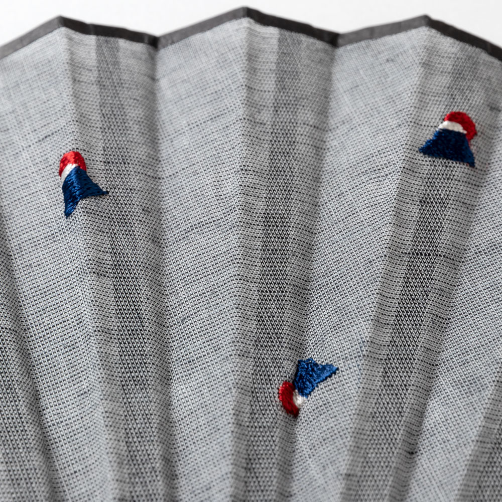 ちらし刺繍扇子2020 富士山 刺繍入り布貼り扇子 男女兼用 スーベニール Sensu fan