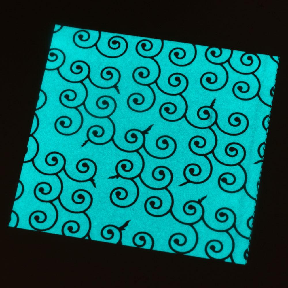 蓄光折り紙 月ほたる 唐草 和柄おりがみ3枚入り 15×15cm 光を蓄えて暗所で柔らかく光ります Phosphorescent origami