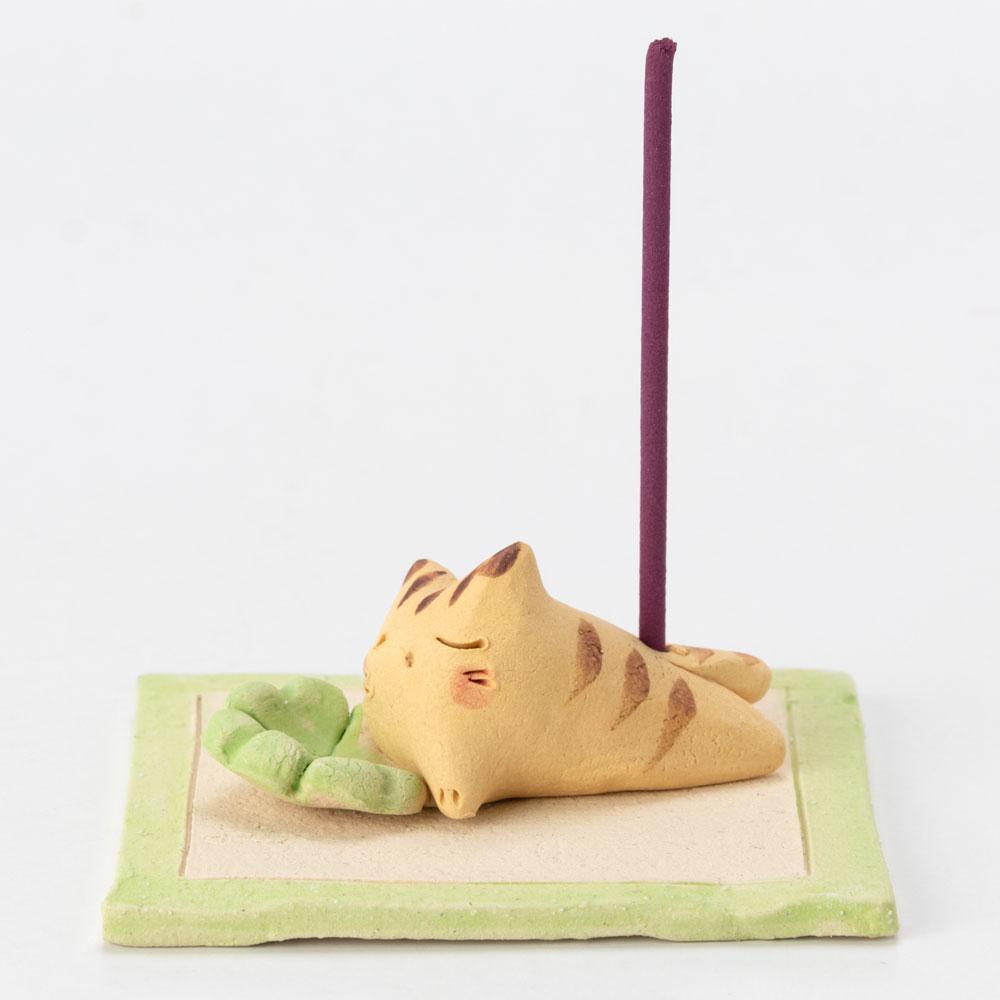 四葉と猫 香立 (K4634) 瀬戸焼のお香立て 愛知県の工芸品 Incense holder, Seto-yaki