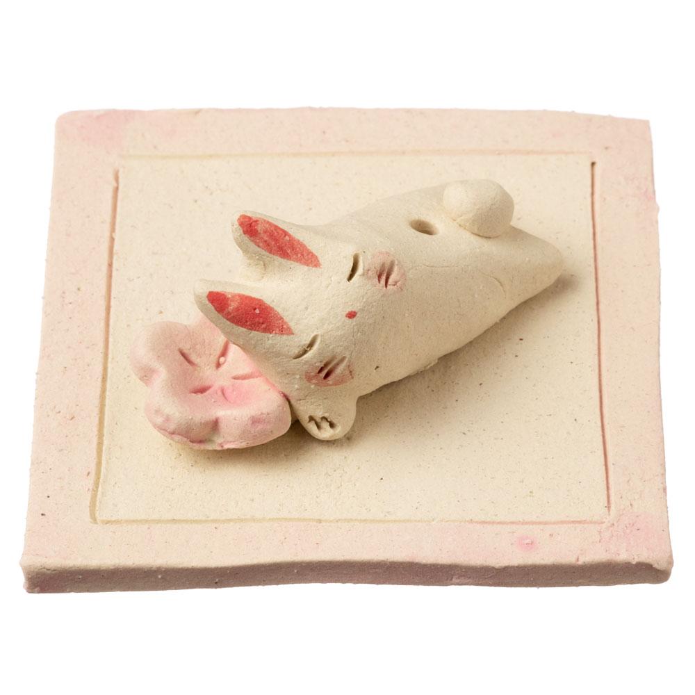 桜と兎 香立 (K4635) 瀬戸焼のお香立て 愛知県の工芸品 Incense holder, Seto-yaki