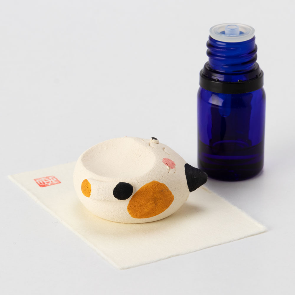 アロマストーン・ぶち猫 (K4556) 瀬戸焼のアロマグッズ 愛知県の工芸品 Aroma stone, Seto-yaki